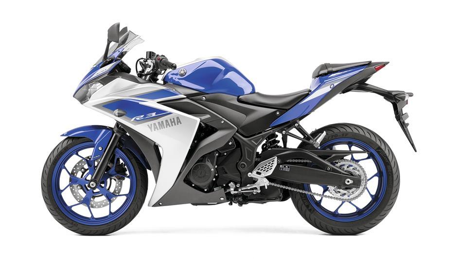 2015-Yamaha-YZF-R320-EU-Race-Blu-Studio-006
