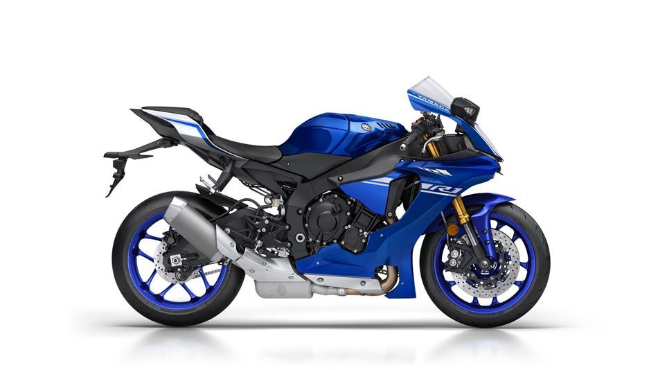 2017-Yamaha-YZF-R1-EU-Race-Blu-Studio-002