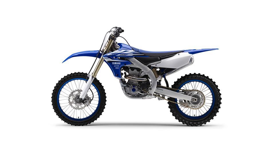 2018-Yamaha-YZ450F-EU-Racing-Blue-Studio-006